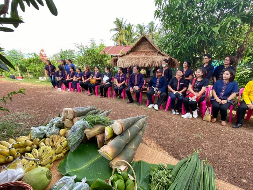 The Judges and his officers from Department of Social Development, Kalasin Province
